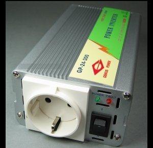 300 Watt 230 volt DC/AC - piekspanning 1000 Watt